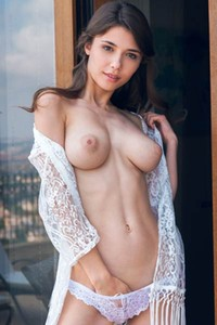 Model Mila Azul in Nogeti